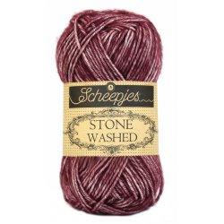 Stone Washed. Pendikte 3-3,5 mm. Kleur 810. Garnet. Scheepjeswol.