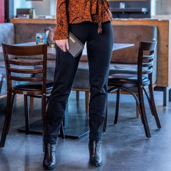 LET OP PRE-SALE Stof voor broek model D2156 uit Miss Doodle herfst winter 2021 art French Terry 92% Katoen 05470 Zwart 069