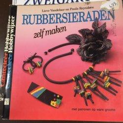 Boekje Rubbersieraden Zelf maken